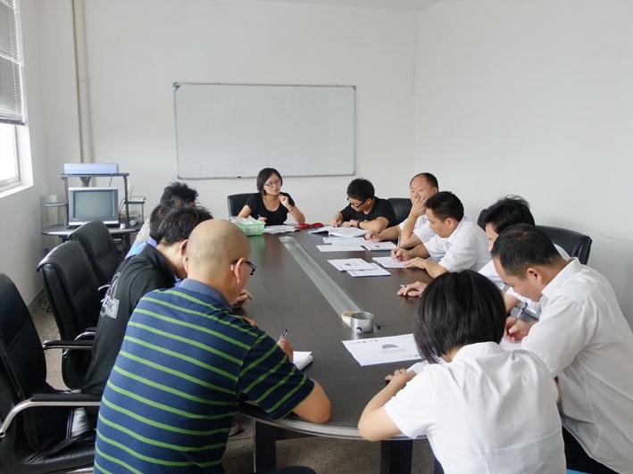 8月15日,由中国质量认证中心杭州CQC检测中心专家形成的检查组一行来到我司,对朗威电吹风系列产品进行质量认证,经过详细检查,认为我司电吹风符合3C质量管理标准,授予我司3C质量认证书。 2010年,我司组建朗威生活电器部,着手电吹风产品研发和生产,经过努力,完全由朗威电器自主研发生产的电吹风系列Rh8201、Rh8202、Rh8205、Rh8208终于诞生,并于2010年下半年成功上市。与此同时,我司提出的朗威电吹风3C质量认证也同期在中国质量认证中心进行检测认证,经过一系列测评,于今年8月15日,进入